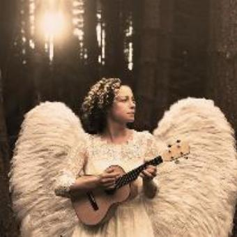 Generic placeholder imageKate Rusby at Christmas